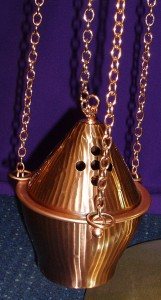 Bronze thurible with boat and spoon. Made in Italy