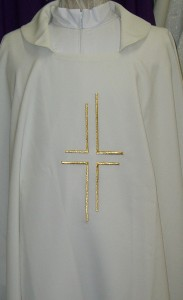 Chasuble, from Italy, available in the 4 seasonal colours. Lightweight material.