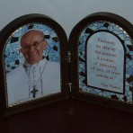 Pope Francis Folding Plaque