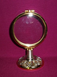 Gold lunette with a height of 120mm and a diameter of 80mm